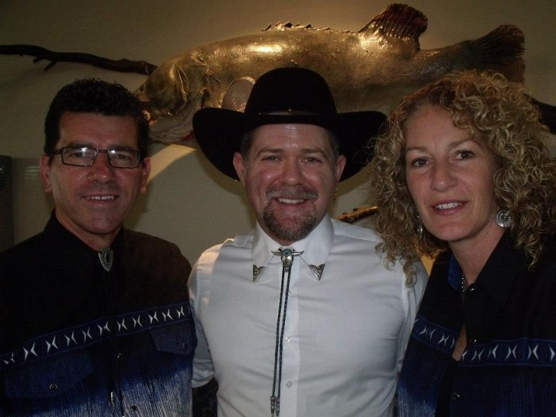 Justin Standley with Annette & Kim in Barham 2014