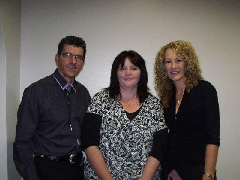 Melanie Weistra with Annette & Kim in Barham 2014