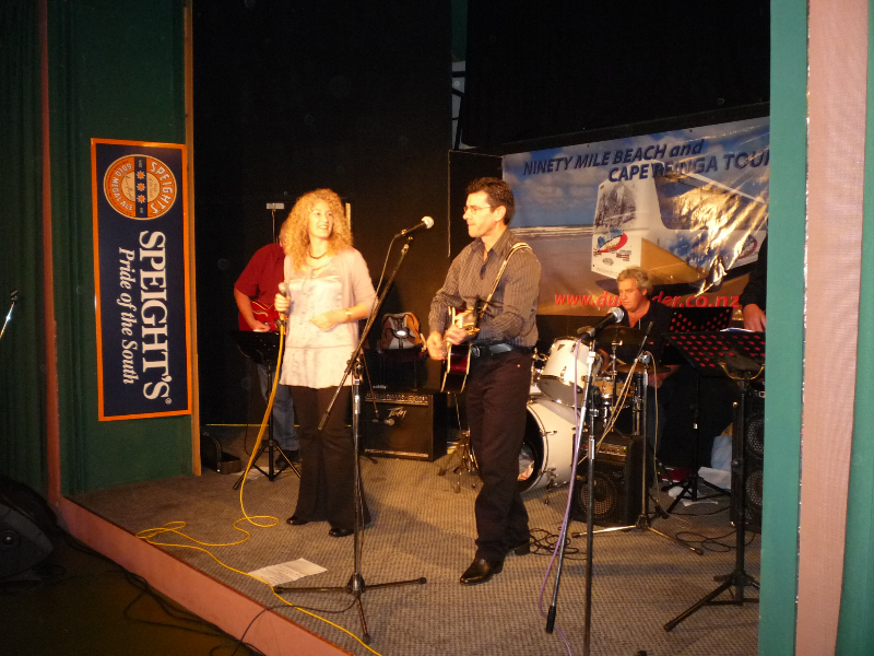 annette-kim-at-the-boi-country-rock-festival-2010-002